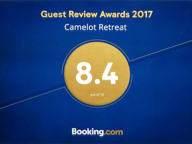 CamelotRetreat-2017-BookingcomAward8x6