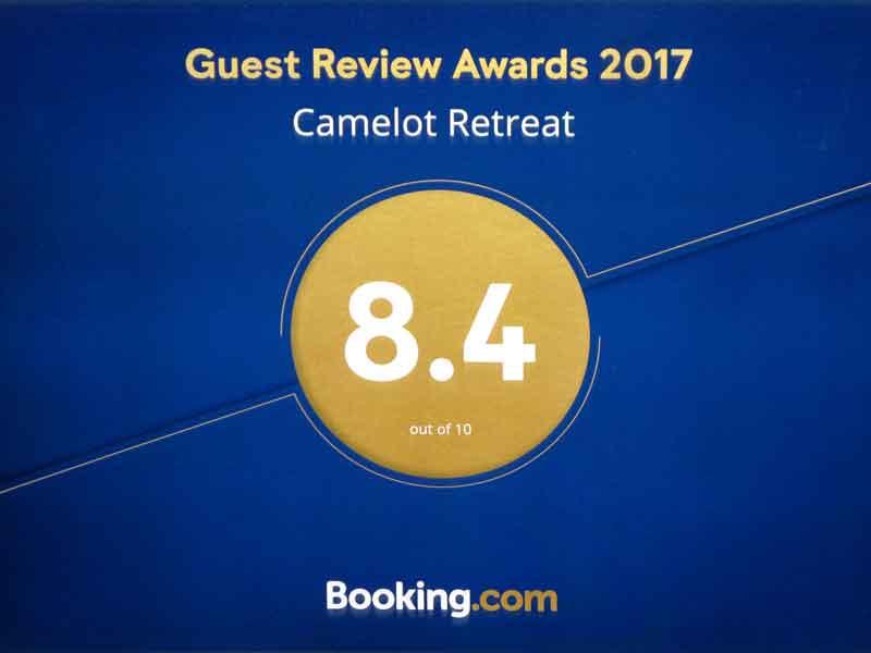 CamelotRetreat-2017-BookingcomAward8x6
