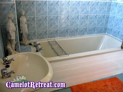 Bathroom - Camelot Retreat